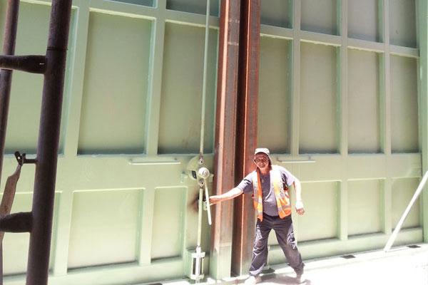 דוגמה לגודל של דלת